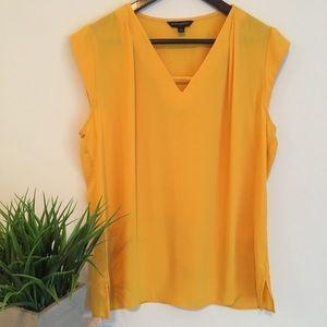 BR Yellow Short Sleeve Blouse Size Medium